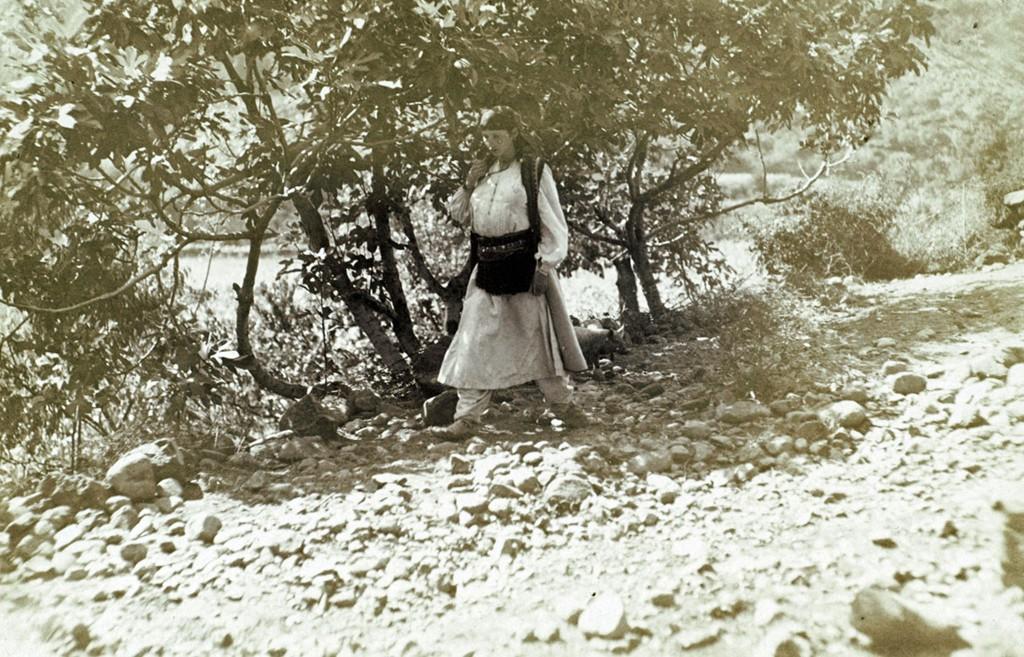 http://www.albanianphotography.net/jaeckh/Jaeckh_files/vlb_images1/jaeckh085.jpg