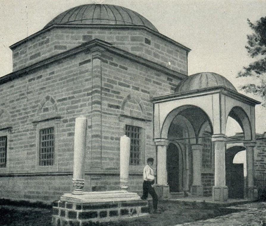 Djepat shqiptar dhe ritet tjera dhe foto historike - Faqe 5 Glj040a
