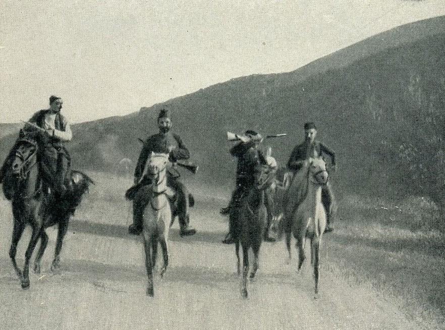 Djepat shqiptar dhe ritet tjera dhe foto historike - Faqe 5 Glj044b