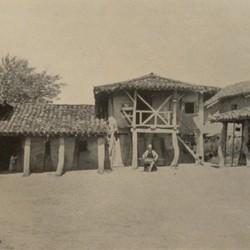FMG011: A farmhouse at Sulzotaj near the mouth of the Shkumbin River, District of Lushnja, Albania (photo: Friedrich Markgraf, 1924-1928).