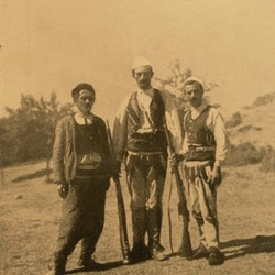 FMG018: Men of the Kelmendi tribe in northern Albania (photo: Friedrich Markgraf, 1924-1928).